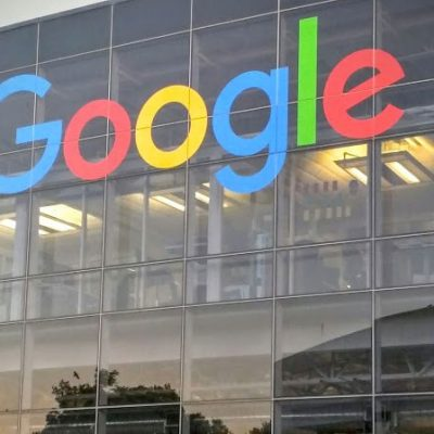 Anti-vaccers stage walkout at Google University